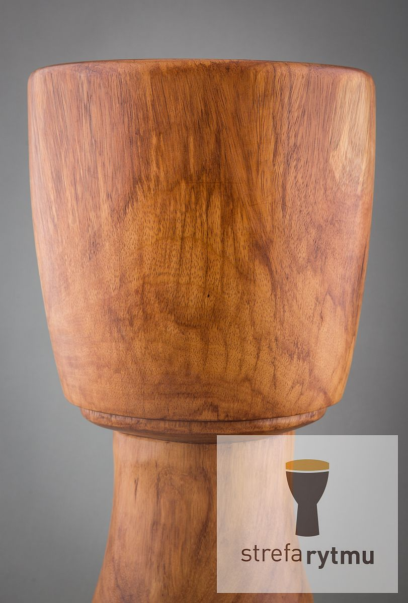 Extremely solid professional djembe from Mali. Strongly recomended for those looking for djembe up to 32cm diameter